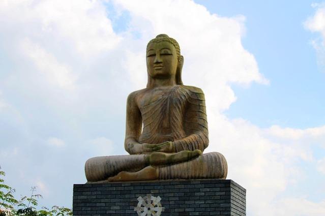 stone-sculpture-240747_640