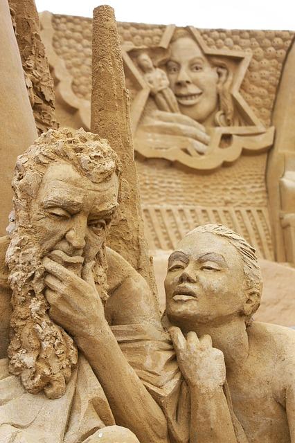 sand-sculpture-632460_640